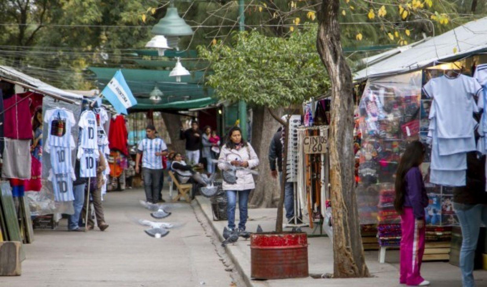 Concejales darían una prórroga de 4 años a los puesteros del Parque San Martín