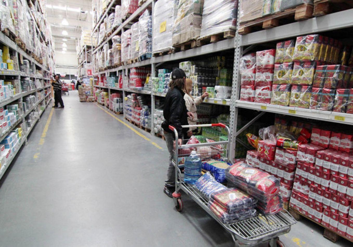 Precios mayoristas subieron 4,2% y acumulan alza del 40% en 9 meses