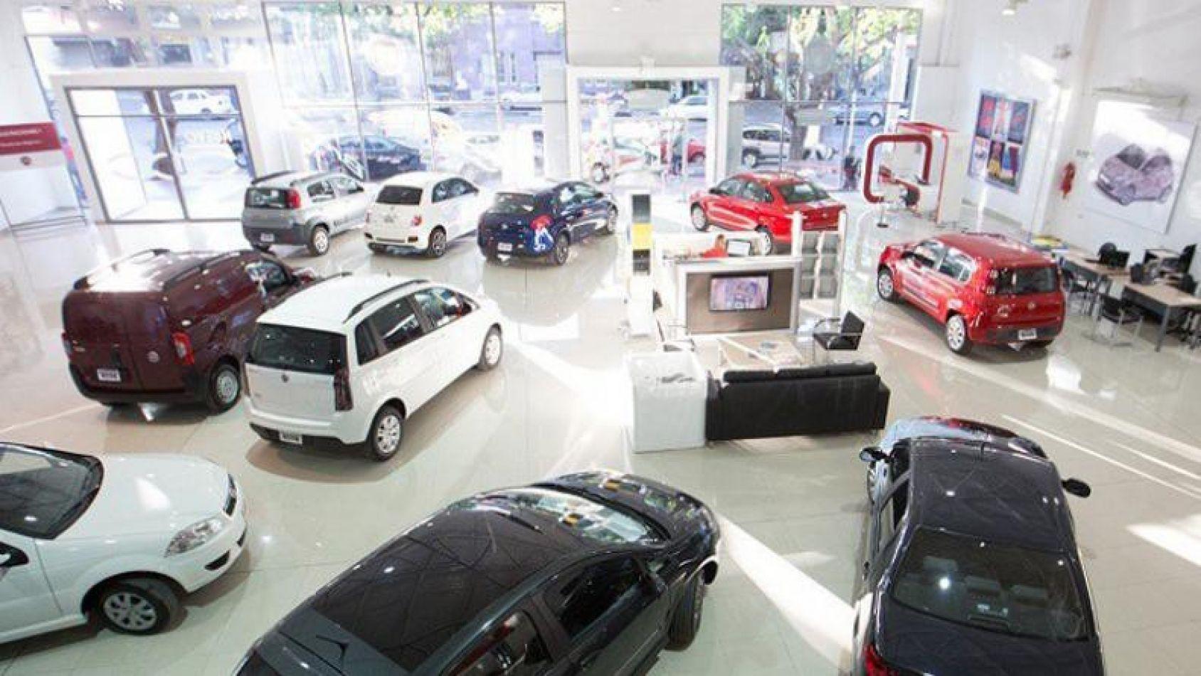 Sube hasta 10% precio de autos y reducen descuentos