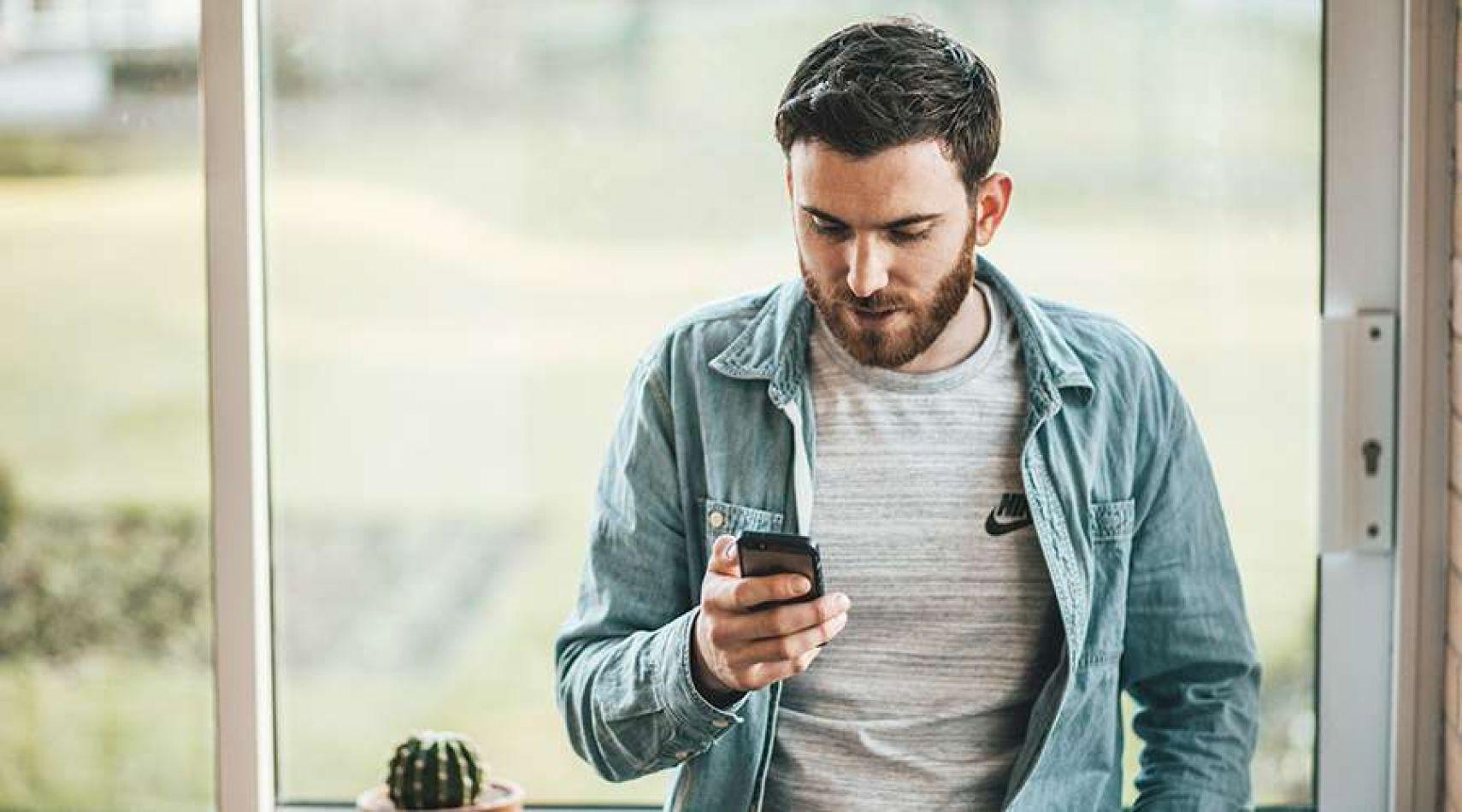 Las lesiones por el uso del celular van en aumento