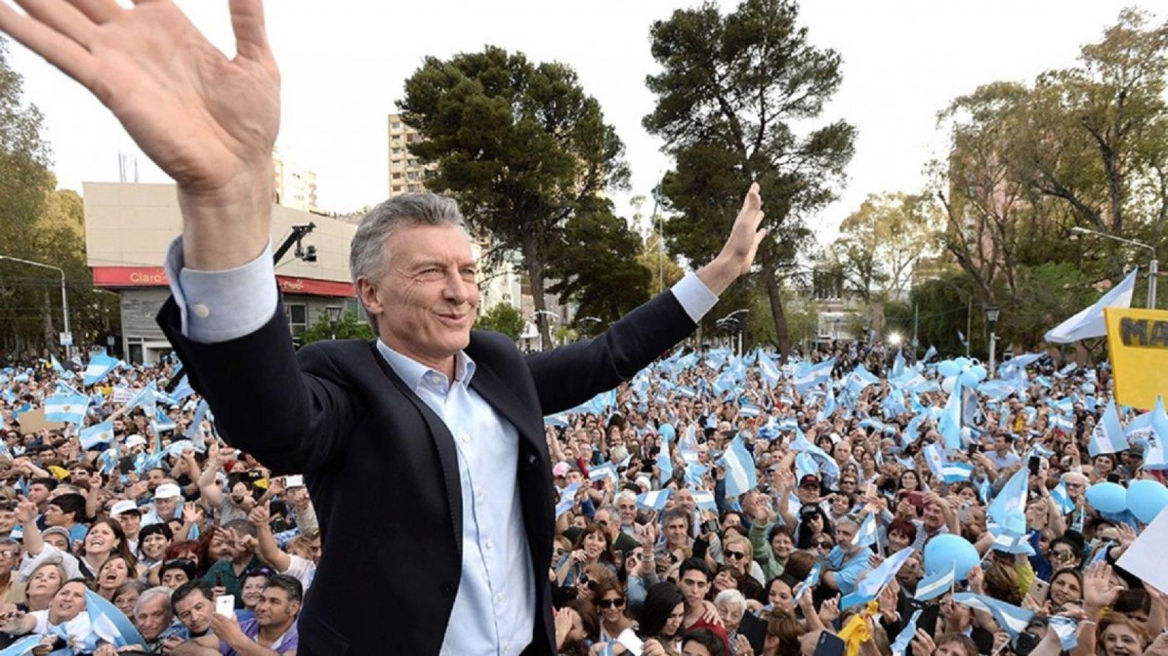 Macri tendrá hoy su marcha despedida