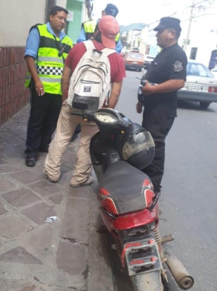 Demoran a un motociclista por conducir totalmente ebrio en el centro de Salta