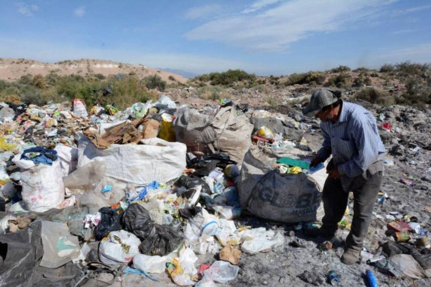 Según la UCA la pobreza en Argentina trepó hasta el 45%