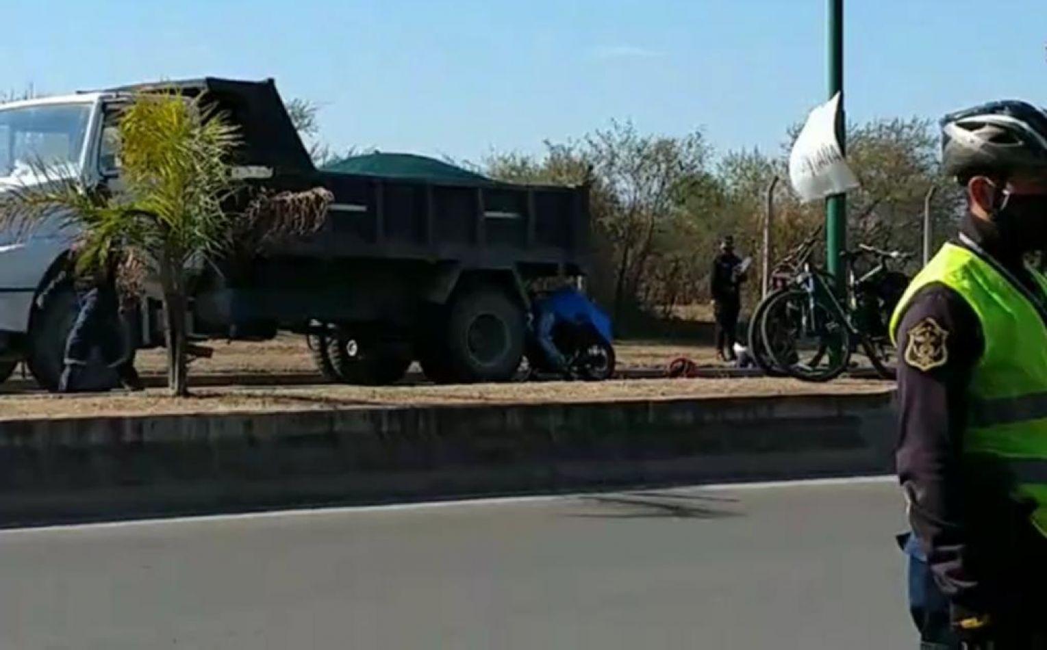 Motociclista murió tras chocar con un camión estacionado sobre ...