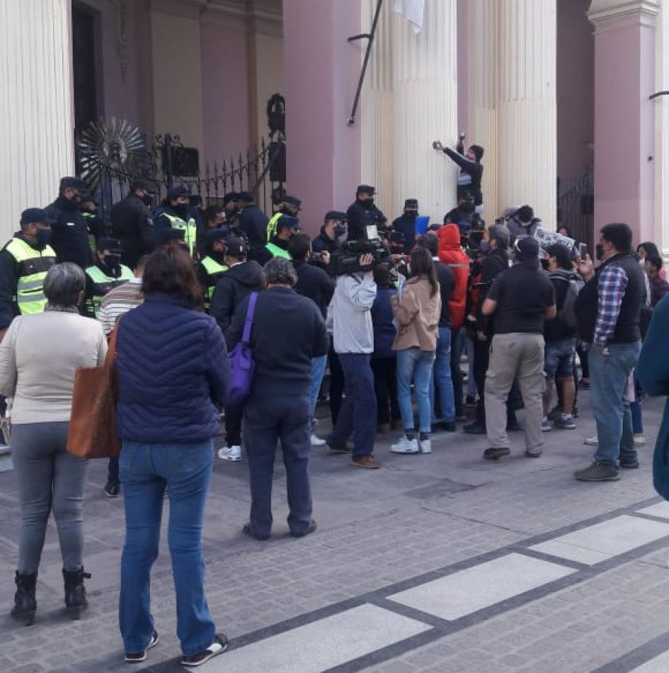 Incidentes entre mineros y la Policía: qué dijeron los medios salteños