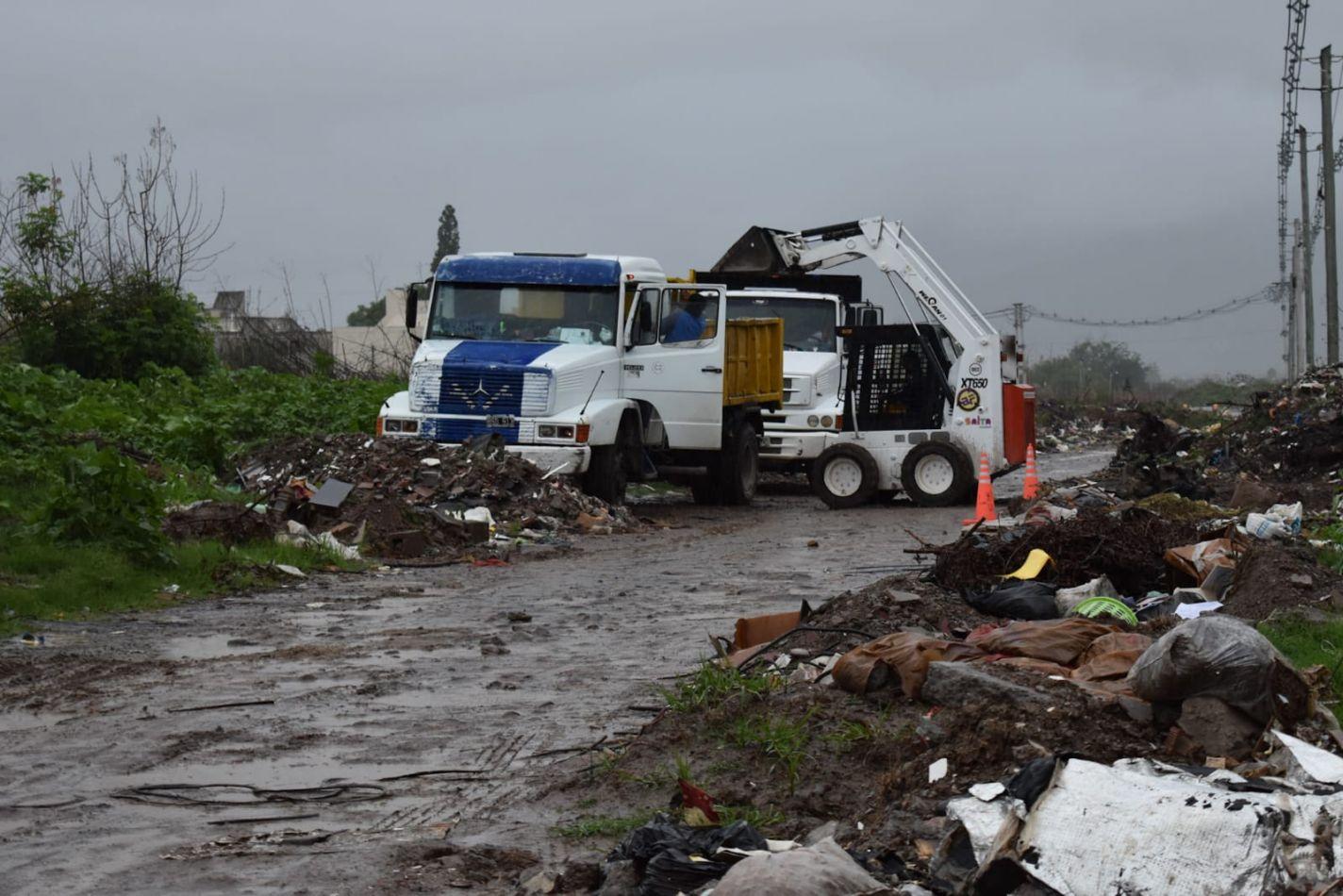 En Salta limpian un basural de un kilómetro de extensión