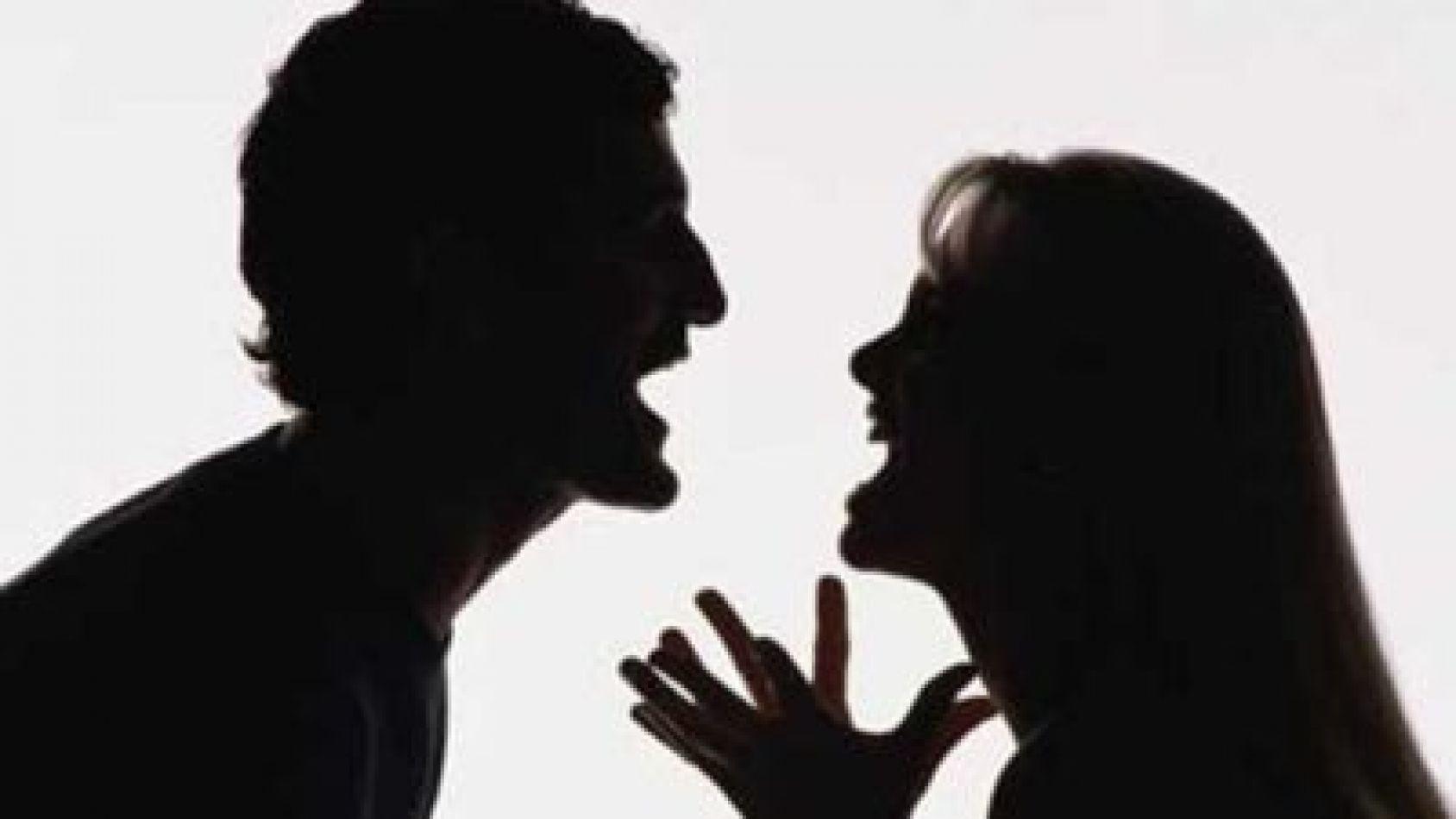 El la golpeaba, y ella lo apuñaló: ambos están imputados