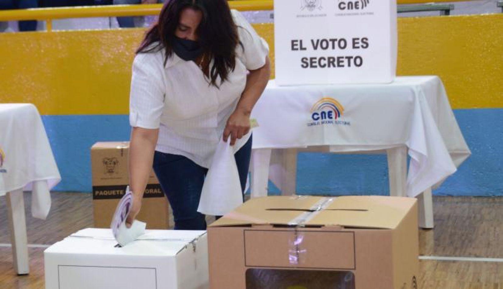 Elecciones en Ecuador: más de 13 millones de personas van a las urnas