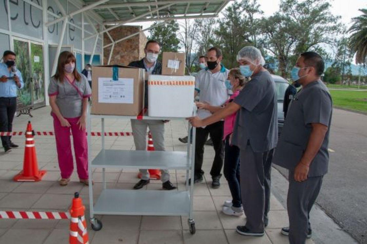 Quienes deban vacunarse contra el coronavirus podrán faltar a sus trabajos