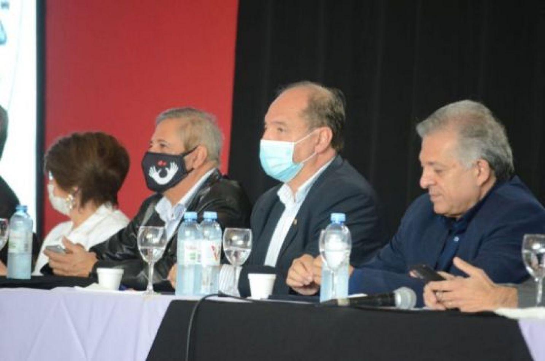 Carlos Rodas, Alfredo Batule y Garros Martínez deberían estar aislados tras el caso de Villada