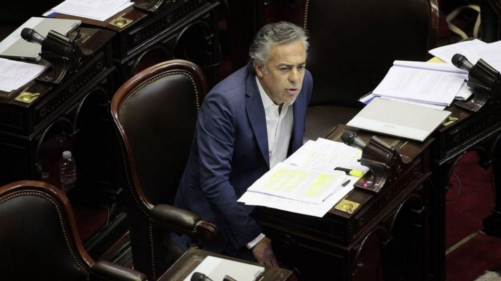 Internaron por coronavirus al exgobernador de Mendoza, Alfredo Cornejo