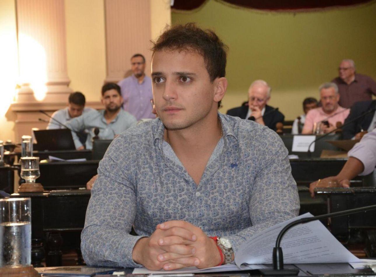 Arde el bloque oficialista en la Cámara de Diputados: mensajes por WhatsApp y defensas insólitas