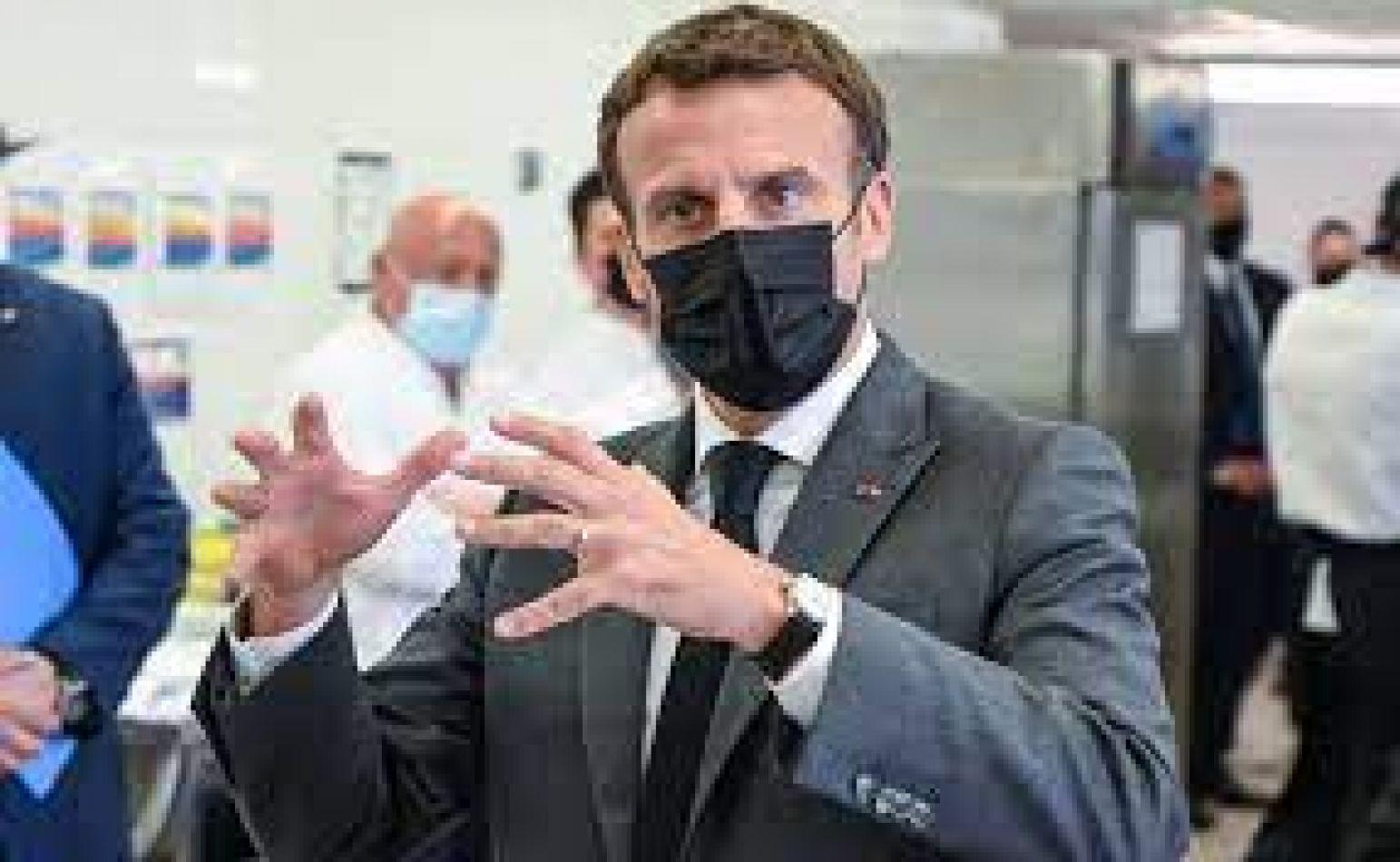 """""""Cachetearon"""" a Emmanuel Macron en su gira por el sudeste de Francia"""