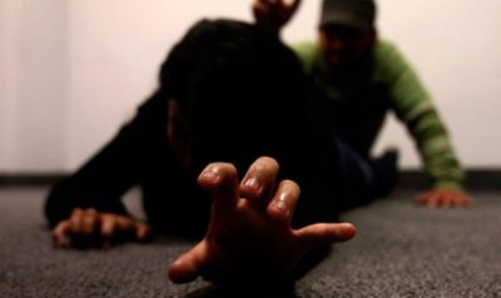 Piden juicio contra un hombre que abusó de su expareja