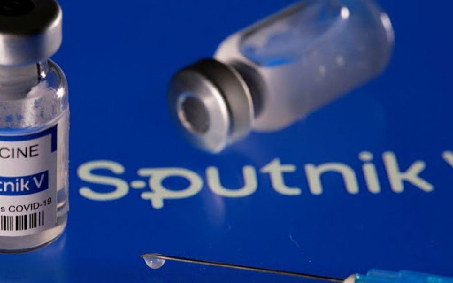 Segundas dosis: desde Rusia dicen que es seguro combinar la Sputnik V con AstraZeneca