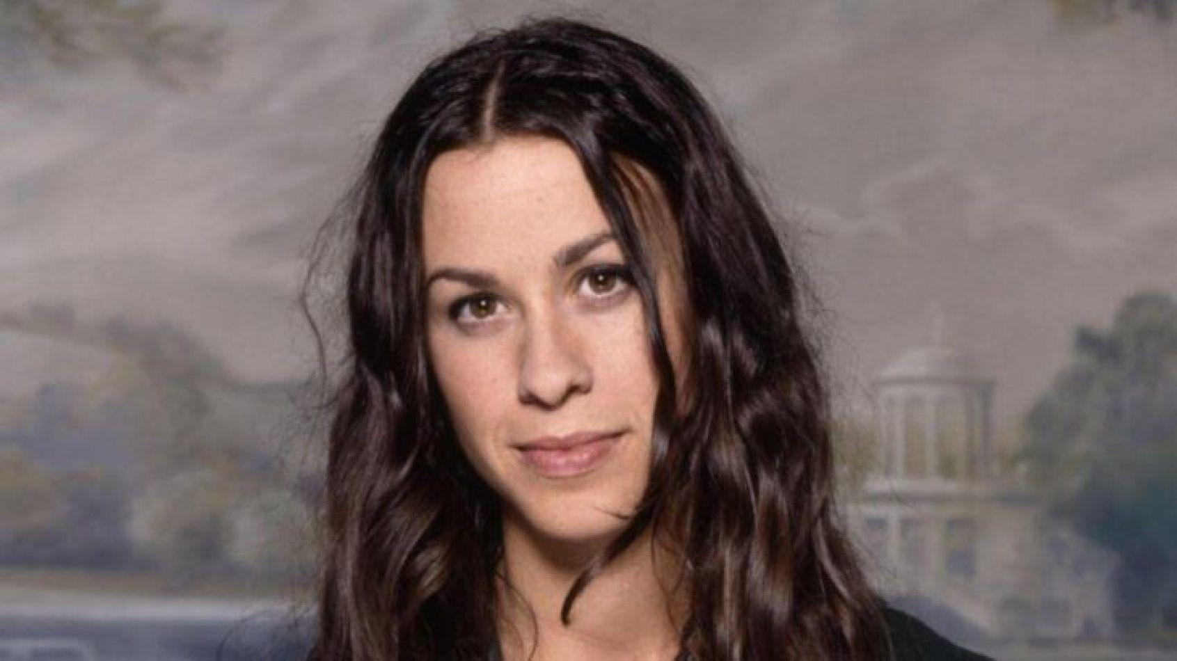 Alanis Morissette reveló que fue abusada por varios hombres cuando tenía 15 años