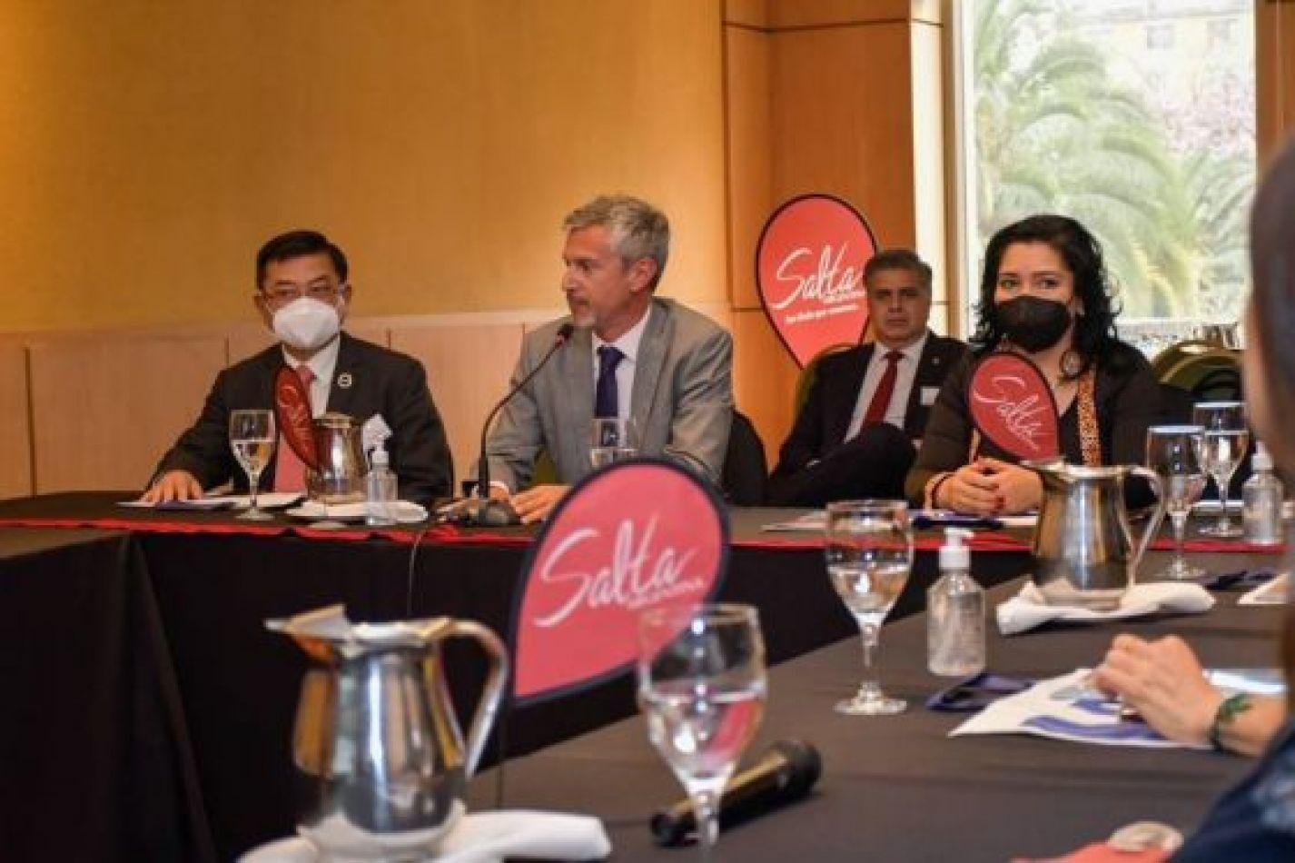 Salta busca reactivar la ruta aérea con Paraguay